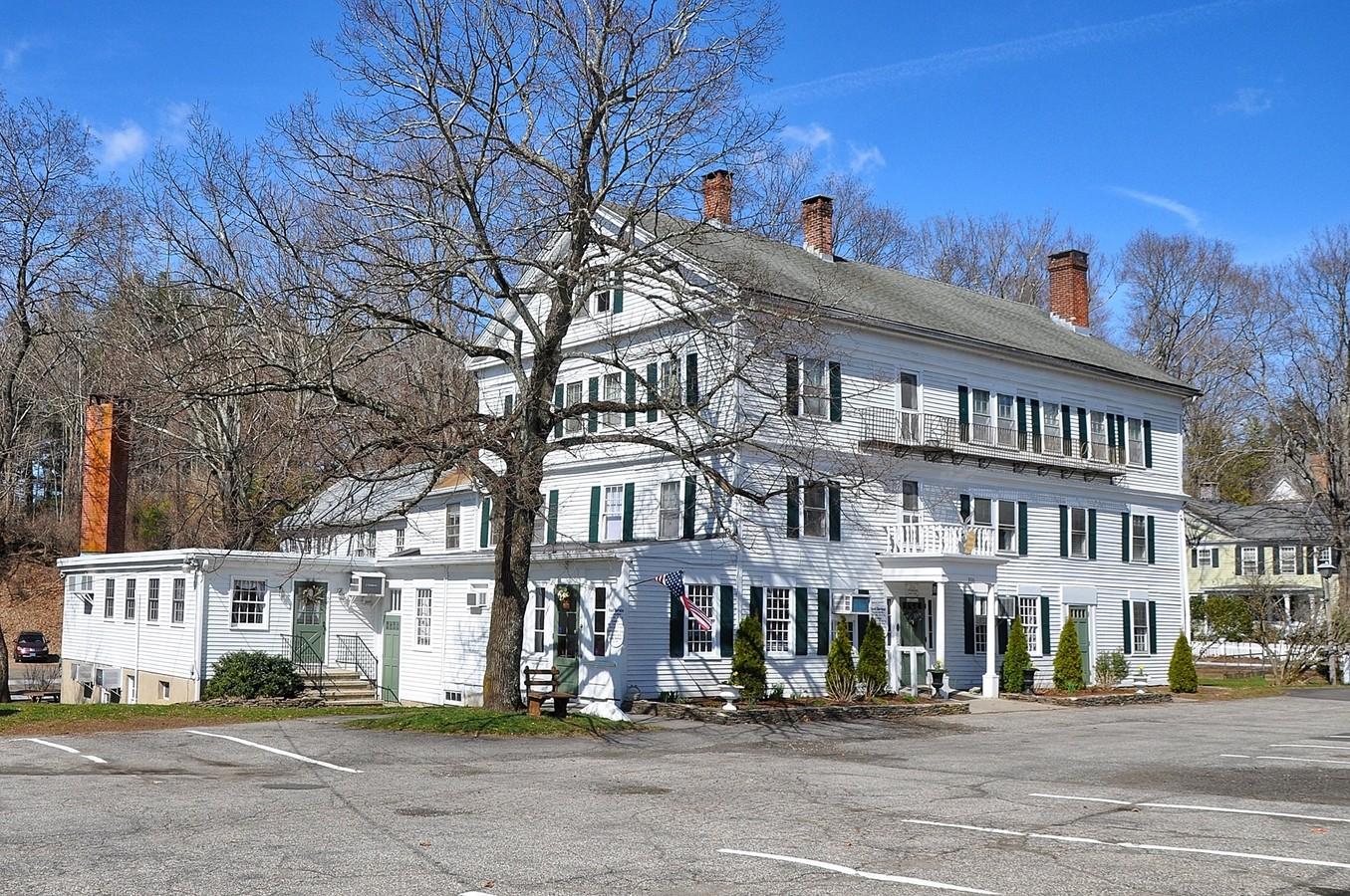 photo: Curtis House Inn